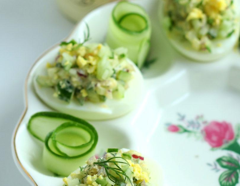 Jajka w majonezie i ogórkiem