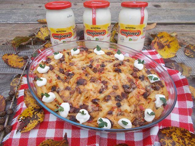 Rozgrzewająca zapiekanka makaronowa w sosie serowo-majonezowym